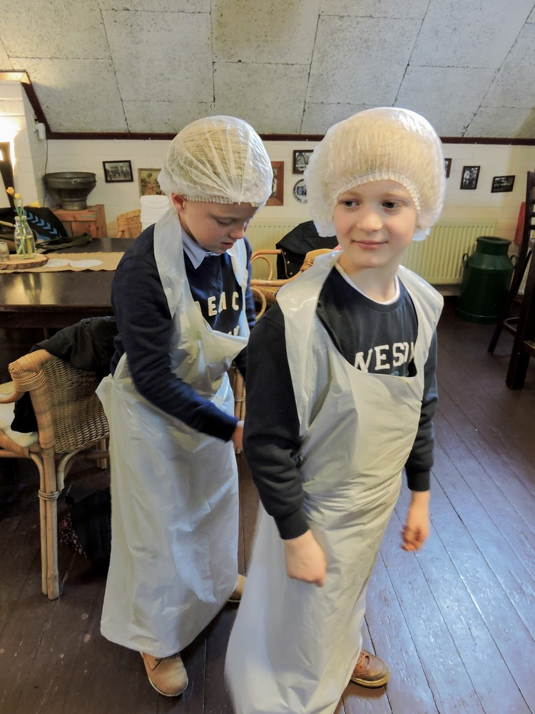 zlef_boter_maken_boerderij_hoekelum02